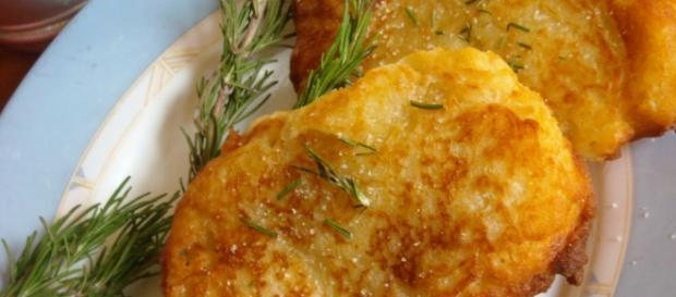 Sfiziose focaccine fritte, veloci da preparare.