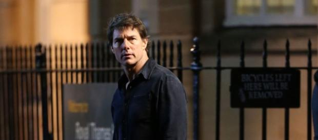 Tom Cruise looks utterly confused in the Mummy reboot's first pictures - digitalspy.com