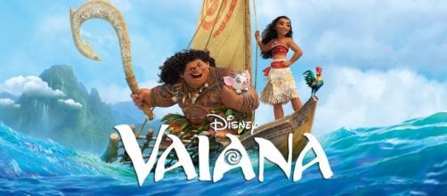 Cartel de la película con Vaiana y Maui.