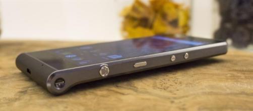 Kodak ci riprova con Ektra: Smartphone con un comparto fotografico.