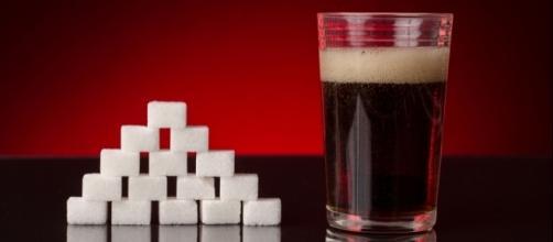 La cantidad de azúcar que podemos encontrar en algunos refrescos azucarados es excesiva.