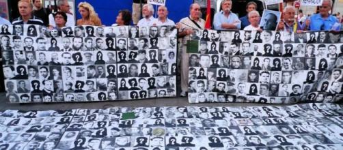 Las víctimas del franquismo piden verdad, justicia y reparación. Public Domain.