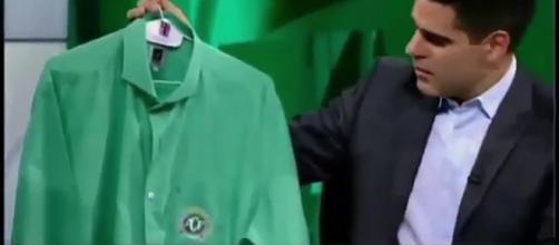 Profissionais das três emissoras usarão esta camisa na transmissão