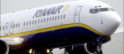 Ryanair cerca personale, selezioni per assistenti di volo a ... - palermotoday.it