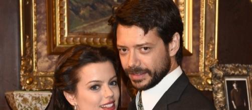 Sol Santacruz ed il dottor Lucas Moliner, suo fidanzato.