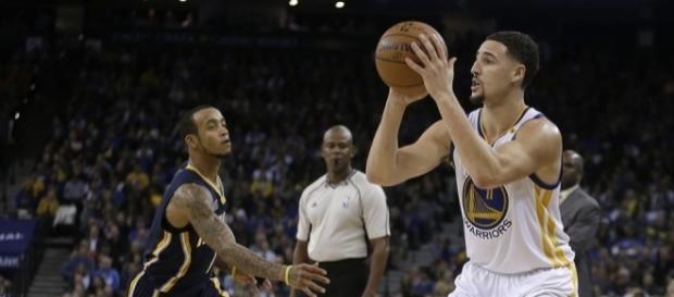 Klay Thompson anota 60 puntos en otra noche histórica de los Warriors