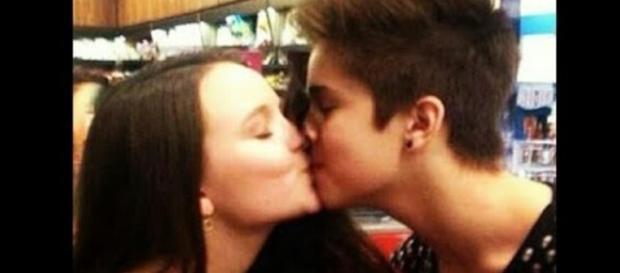 Larissa Manoela está sendo acusada de ter namorado João Guilherme só por marketing