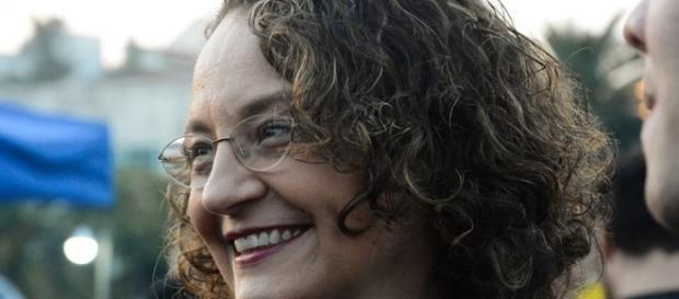 Luciana é crítica da PEC do teto e reprovou atitude do PT (foto:reprodução/Facebook)