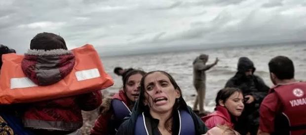 Refugiados cristãos são jogados ao mar