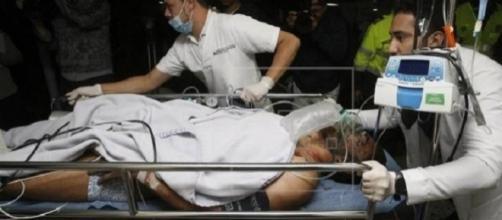 Alan Ruschel sendo conduzido ao hospital