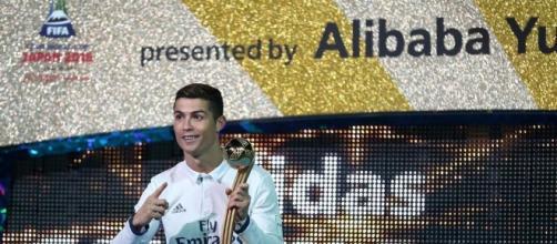 Mãe de Cristiano Ronaldo comemora mais um título dançando Enrique Iglesias