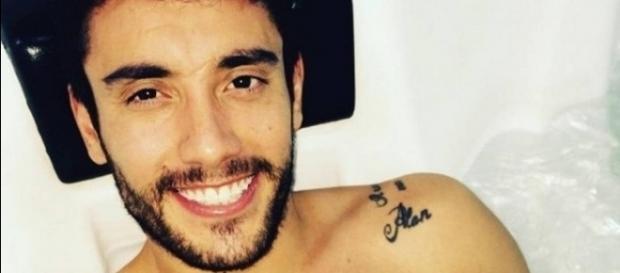 Alan Ruschel anda em hospital na Colômbia