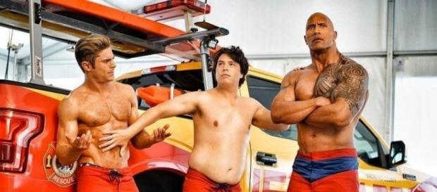 Il trailer del film di Baywatch, con protagonista The Rock