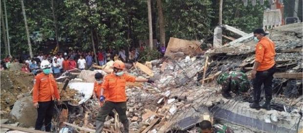 Un nou cutremur de 6,5 grade magnitudine a lovit Indonezia