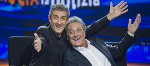 Striscia la notizia: Ezio Greggio e Enzo Iacchetti di nuovo ... - melty.it