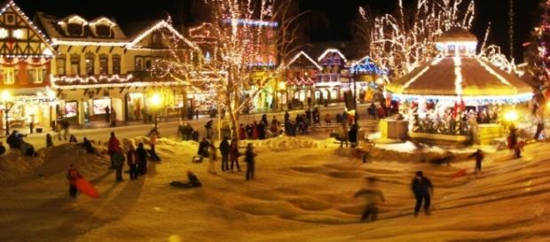 americas best small towns for christmas pinterestcom - Small Town Christmas