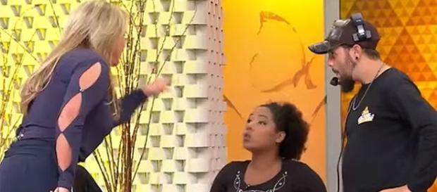 Cristina Rocha perde paciência com convidada. (foto: reproduçao canal SBT)