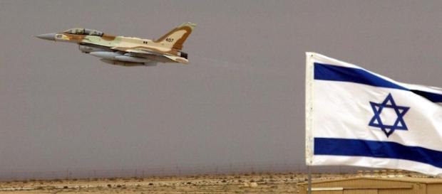 Ein israelischer Kampfjet. (Fotoquelle/UrhG: Blasting.News Archiv)