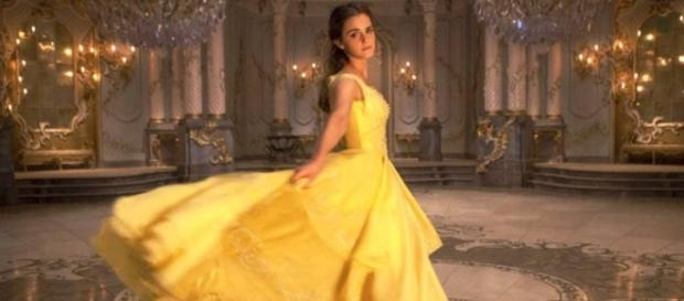 Emma Watson se recusou a usar um corset em 'A Bela e a Fera'