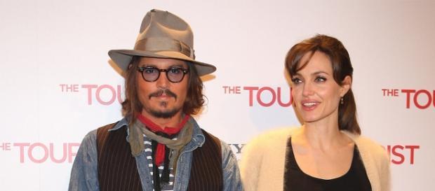 Johnny Depp en couple avec Angelina Jolie?