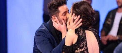 Claudio D'Angelo bacia Ginevra Pisani dopo la scelta