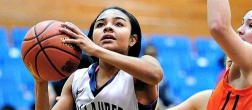 Jakkisha Smith scored 18 points, dished five assists and made four steals Saturday. (Courtesy Gallaudet).