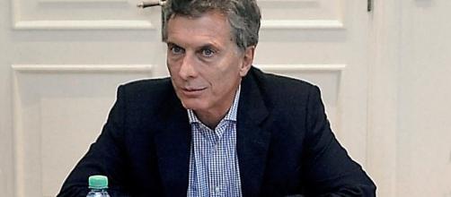 Macri obligado por Magnetto a negociar Ganancias con el Senado o vetar la ley