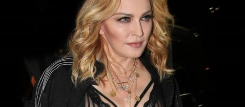 Madonna's Breasts Suffer Wardrobe Malfunction: Star Flashed ... - inquisitr.com