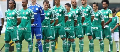 Palmeiras enfileirado para enfrentar o Corinthians