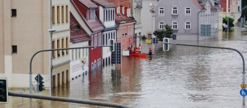 Town flood image courtesy Pixabay.com, creative commons license