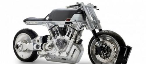 Vanguard Roadster tem um grande motor elétrico e foi concebida para agradar principalmente os norte-americanos