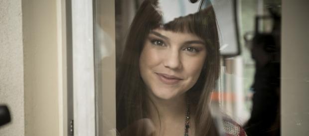 Alice Wegmann é Isabela em A Lei do Amor