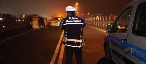 Cagliari: 30enne protagonista di un doppio incidente.