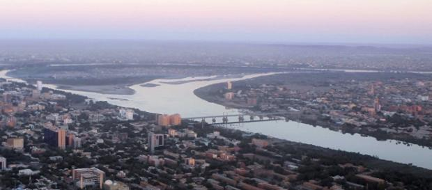 Cartum, capital do Sudão, atravessada pelo Rio Nilo