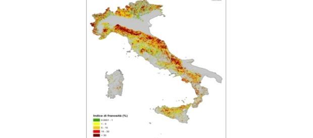 Frane, la cartina indica le aree a rischio
