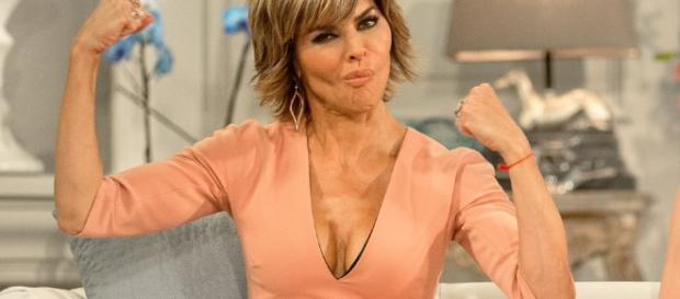 Lisa Rinna | All Things Real Housewives - allthingsrh.com