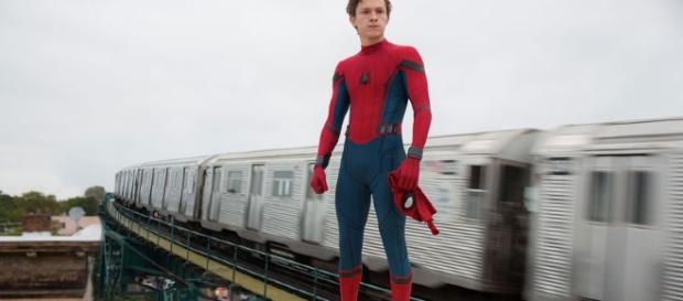 Tom Holland estrela como Peter Parker/Homem-Aranha na nova produção capitaneada pelo Marvel Studios. (divulgação)