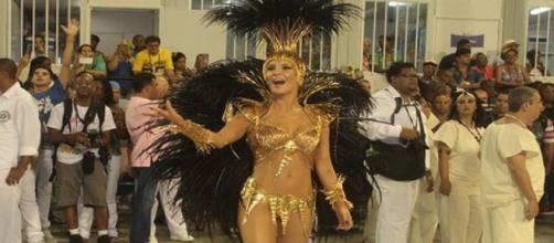 Claudia Leitte é rainha de bateria da Mocidade