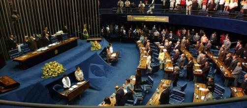 Senador vem sendo investigado por corrupção