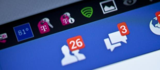 Aplicación Facebook Nativa de Android en tablet.
