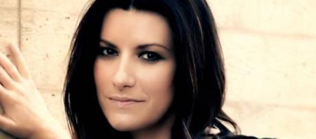 Video Laura Pausini a Sanremo 2016.