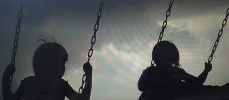 Bambini in-catenati .. Save the Children