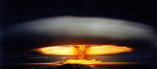 Explosión nuclear en una guerra futurible