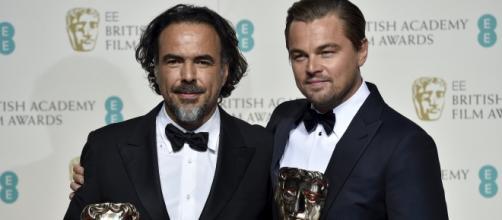 Los premiados Iñárritu y Leonardo DiCaprio.