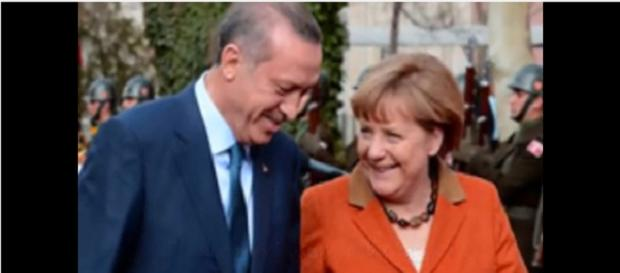 Merkel Erdogan conveniencias en politica Play tusu