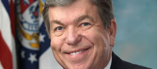 O senador Blunt adia a campanha eleitoral.
