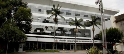 Câmara gasta R$ 4,7 milhões com folha de pagamento