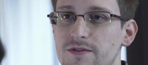 Edward Snowden in an art show? (YouTube)
