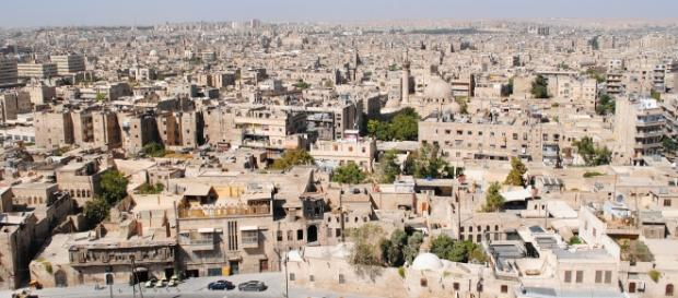 50 mil sírios se deslocaram da cidade de Aleppo