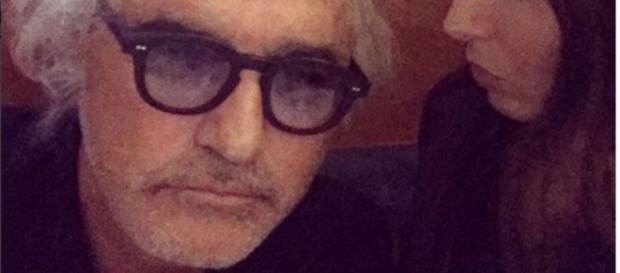 Il nuovo volto di Flavio Briatore.